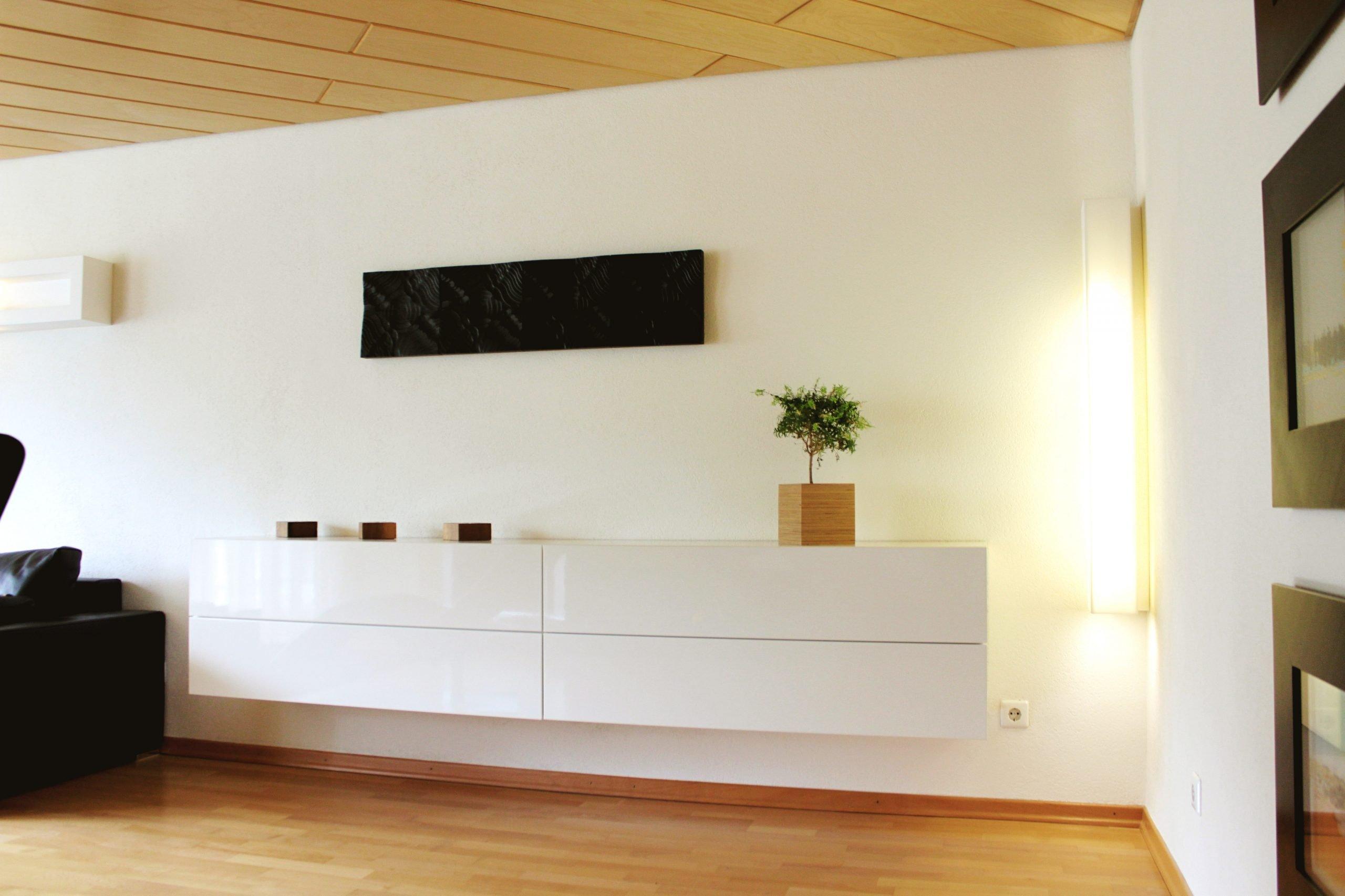 Wandhängende Möbel